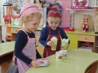 Как мы трудимся в детском саду!